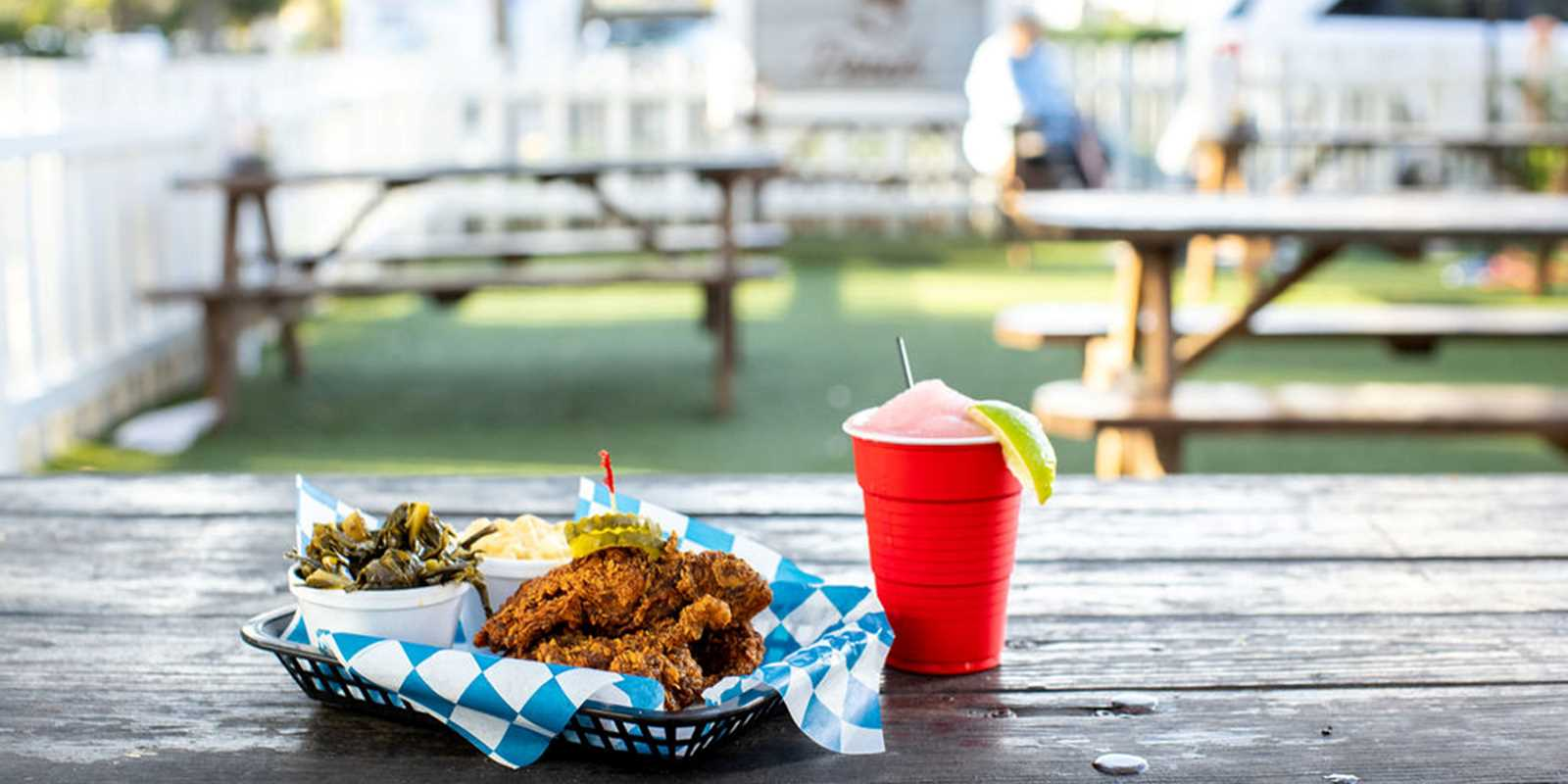 HOT CHICKEN AND FROSE